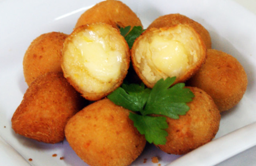 Coxinha-de-queijo-11-600x390